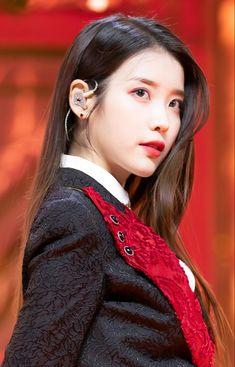 Eun Ji, Kpop Girl Groups, Kpop Girls, Cute Girls, Cool Girl, Pretty Girls, Iu Hair, Cute Korean Girl, Blackpink Fashion