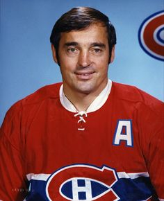 Frank Mahovlich capped off his stellar career in a Canadiens sweater with at least 80 points in his final three seasons. Montreal Canadiens, Mtl Canadiens, Hockey Goalie, Hockey Teams, Ice Hockey, Nfl Highlights, Hockey Pictures, Vancouver Canucks, Nfl Fans