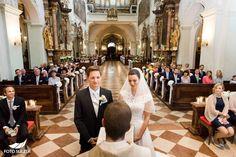 Hochzeit Salzburg Stiftskirche St. Peter Brautpaar in Kirche