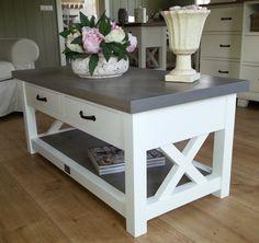 Landelijk witte salontafel met eiken blad, magazineplateau + 2 laatjes, 110 cm l. x 55 cm br. x 50 cm hg. XR