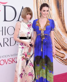 Anna Wintour in Gucci and Bee Shaffer in a Gucci dress and Irene Neuwirth earrings
