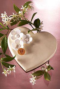 Pierre Hermé jasmine pastry, ganache jasmine, a biscuit dipped in tea and jasmine and a mascarpone cream jasmine.
