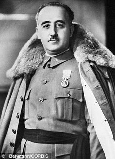 Francisco Franco el era el general y dictador de Espana de 1939 a 1975. El era un general durante la guerra civil espanola.  El saco el república democrática española. World History, World War Ii, Historia Universal, King Of The World, Falling Kingdoms, Forced Labor, Influential People, How To Speak Spanish, Famous Faces