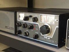 Two Way Radio, Tv On The Radio, Radio Amateur, Radios, Hf Radio, Vintage Tv, Vintage Stuff, Ham Radio Antenna, Tr 4