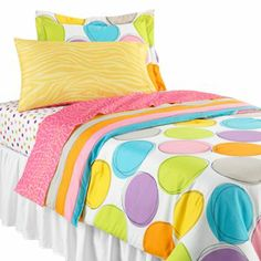 Twist by Jackie Spot On bed set. This could be fun with gray walls, too.