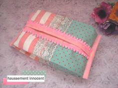 ラメレース付き、ミントグリーン×ピンクのおしりふきケース