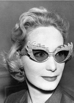 Express yourself in Vintage Style.... OooooLaLaLaaaaaaa