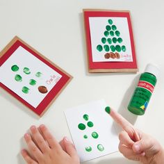 Let your kids send the perfect handmade holiday greeting with this cute Fingerprint Christmas Tr...