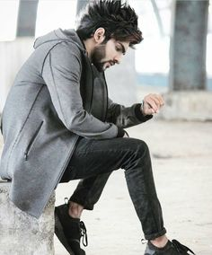 604 Likes, 2 Comments - ◾▶ Jubin shah ◀◾ Trending Hairstyles For Men, Cool Hairstyles For Men, Boys Long Hairstyles, Hair Designs For Boys, Hot Country Men, Best Poses For Men, Mens Photoshoot Poses, Gents Hair Style, Cute Boy Photo