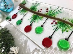 Fused Glass Snowy Bough With Ornaments Fused Glass Ornaments, Fused Glass Plates, Fused Glass Jewelry, Fused Glass Art, Stained Glass Art, Mosaic Glass, Glass Christmas Decorations, Stained Glass Christmas, Glass Christmas Ornaments