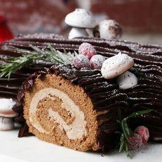 Strawberry Cheesecake Cake Roll Recipe by Tasty Chocolate Hazelnut, Chocolate Truffles, Chocolate Log, Homemade Chocolate, Cake Roll Recipes, Dessert Recipes, Strawberry Cheesecake Cake, Cake Baking Pans, French Christmas