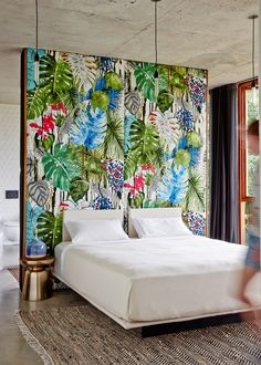 fab bedroom wall!  Planchonella House / Jesse Bennett