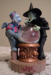 Wizard of Oz Hallmark Ornament Poppy Field