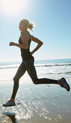 Love to take a run in the summer on the beach | womens motivation inspiration running fitspiration running cardio muscle fitness health training style menswear womenswear fashion bayse luxe activewear