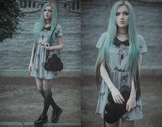 Black cloud purse with long shoulder strap!