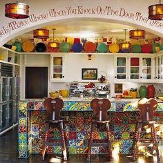 Diane Keaton's Hollywood/Spanish kitchen--lots of bright Fiesta dishes … Spanish Kitchen, Spanish House, Spanish Colonial, Celebrity Kitchens, Celebrity Houses, Kitchen Styling, Kitchen Decor, Fiesta Kitchen, Desert Homes