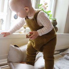 Going garter overalls - knitting pattern
