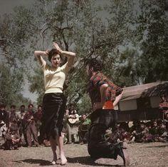 Robert Capa : Ava Gardner sur le plateau de La Comtesse aux pieds nus, Tivoli, Italie, 1954. Robert Capa/International Center of Photography / Magnum Photos.