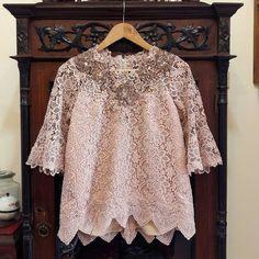 "Nadi Karmadi Fashion Studio di Instagram ""Pairing lace loose top as kebaya with batik tulis Cirebon skirt 💙 #customdesigned #client . . . . . . . #kebayaprada #kebayacustom…"""