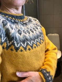 Ravelry: Project Gallery for Riddari pattern by Védís Jónsdóttir Ravelry, Pullover, Knit Crochet, Knitting Patterns, Men Sweater, Beanie, Knitting Sweaters, Note, Sewing