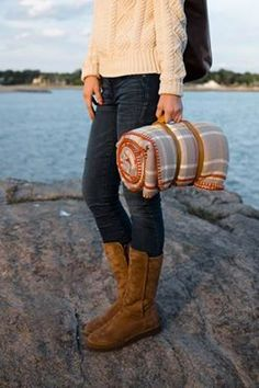 All you need for date night al fresco: an oversized blanket and boots to keep cozy.  http://www.ugg-au.com/ #blackfriday