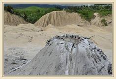 20_muddy_volcanoes_berca_buzau_paclele_mari.jpg 1.200×823 pixels