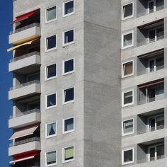 #reinbek bei #hamburg #walls #facades #windows #lookingupatbuildings #brutal_architecture #brutalism #concrete #architecture #modernarchitecture #architecturedetail #archilovers #archdaily #rsa_minimal #minimal_perfection #mindtheminimal #learnminimalism #minimalmood #minimalexperience #minimalism #minimalint #minimalist #ig_hamburg #welovehh #igershamburg #tv_simplicity #tv_pointofview by fernsehturm_