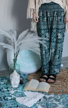 Blue bohemian outfit with harem pants and sandals