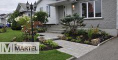 Cure de rajeunissement | Michel Martel Paysagiste Front Yard Walkway, Front Yard Landscaping, Front Steps, Outdoor Spaces, Outdoor Decor, Front Entrances, Backyard, Patio, House Front