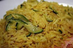 Riz pilaf au curry et aux courgettes Recipe of pilaf rice with curry and zucchini Authentic Mexican Recipes, Mexican Food Recipes, Ethnic Recipes, Zucchini Curry, Zucchini Rice, Rice Recipes, Cooking Recipes, Healthy Recipes, Rice Pilaf Recipe