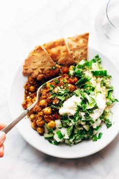 Detox Moroccan Chickpea Glow Bowls: clean eating meets comfort food! vegetarian / vegan. | pinchofyum.com | Pinned to Nutrition Stripped | Entree