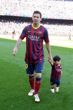 Messi con su hijo Thiago.