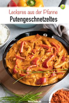 Paprika Putengeschnetzeltes in einer leckeren Rahmsoße – MeineStube Recipe for paprika sliced turkey in a delicious cream sauce. Prepared quickly and easily. With rice, spaetzle or pasta, a delicious family meal or a great lunch. Sauce A La Creme, Cena Keto, Sauce Crémeuse, Sliced Turkey, Hamburger Meat Recipes, Evening Meals, Family Meals, Curry, Dinner Recipes