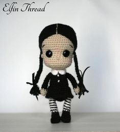 This is a pattern to make Wednesday from the Addams Family. Isn't her cute with her braids and her black outfit? She may be the perfect gift for Halloween!