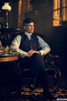 Peaky Blinders - Cillian Murphy as Thomas Shelby Peaky Blinders Quotes, Peaky Blinders Series, Peaky Blinders Poster, Peaky Blinders Tommy Shelby, Peaky Blinders Thomas, Cillian Murphy Peaky Blinders, Peeky Blinders, Peaky Blinders Wallpaper, Tom Hardy