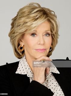 Actress Jane Fonda is photographed for Los Angeles Times on November 2015 in Los Angeles, California. PUBLISHED Get premium, high resolution news photos at Getty Images Haircuts For Medium Hair, Layered Haircuts, Medium Hair Styles, Curly Hair Styles, Jane Fonda Hairstyles, Mom Hairstyles, Short Hair With Layers, Short Hair Cuts, Collarbone Length Hair