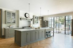 The stunning Queens Park Shaker Kitchen Project by deVOL – Kitchens WOW – Kitchen Ideas For 2019 Open Plan Kitchen, Kitchen Layout, Kitchen Colors, Country Kitchen, Devol Kitchens, Home Kitchens, Interior Exterior, Kitchen Interior, Interior Design