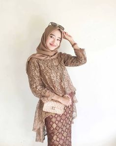 Gambar mungkin berisi: 1 orang, berdiri Kebaya Muslim, Kebaya Modern Hijab, Dress Brokat Modern, Model Kebaya Modern, Kebaya Hijab, Dress Brukat, Batik Dress, Dress Outfits, Kebaya Lace