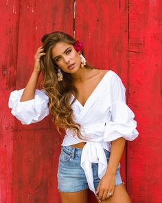 Unravel newest girls' blouses, adept for future occasion or time. Fashion Poses, Fashion Outfits, Diy Fashion, Casual Outfits, Cuba Outfit, Spring Summer Fashion, Spring Outfits, Traje Casual, Outfits Mujer