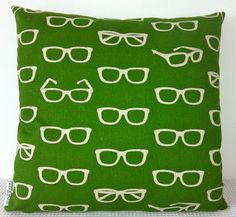 Fabulous: a glasses pillow! Tossup whether to post here or to my favorite fabric board.