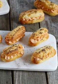 Tea Recipes, Snack Recipes, Cooking Recipes, Finger Food Appetizers, Appetizer Recipes, Savory Pastry, Love Eat, Christmas Cooking, Mini Foods