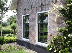 Voorgevel met ramen in landelijke sfeer | Architektenburo Bikker BV Country Home Exteriors, Dollar Tree Fall, Belgian Style, Wood Interior Design, Window Styles, Green Life, Window Design, Fixer Upper, Beautiful Homes