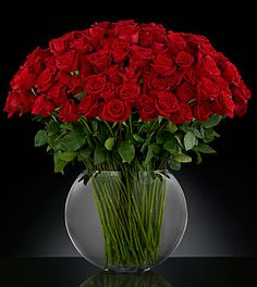 Send The FTD® Breathless™ Luxury Bouquet in Phoenix, AZ from Lush Bouquet Flowers Downtown PHX, the best florist in Phoenix. All flowers are hand delivered and same day delivery may be available. Beautiful Bouquet Of Flowers, All Flowers, Beautiful Roses, Send Flowers, Same Day Delivery Gifts, Same Day Flower Delivery, Red Rose Bouquet, Bouquet Flowers, Rose Vase