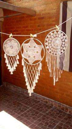 Sublime Crochet for Absolute Beginners Ideas. Capital Crochet for Absolute Beginners Ideas. Crochet Crafts, Crochet Doilies, Crochet Projects, Mandala Crochet, Lace Dream Catchers, Dream Catcher Boho, Los Dreamcatchers, Feather Wall Art, Crochet Dreamcatcher