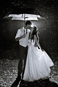 Must have wedding picture if it rains. This is perfect :)