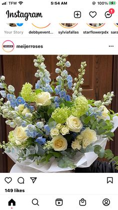White Floral Centerpieces, Floral Arrangements, Blue Flowers, Floral Wreath, Wreaths, Instagram, Home Decor, Floral Crown, Decoration Home