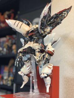 ( *`ω´) ιf you dᎾℕ't lιkє Ꮗhat you sєє❤, plєᎯsє bє kιnd Ꭿℕd just movє ᎯlᎾng. Gundam Custom Build, Gunpla Custom, Robot Design, Cyberpunk Art, Metroid, Gundam Model, Japanese Models, Mobile Suit, Character Design Inspiration