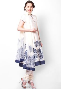 Indian bridal anarkali suits rohit bal ideas for 2019 Shower Outfits, Shower Dresses, Indian Attire, Indian Wear, Ethnic Fashion, Indian Fashion, Indian Dresses, Indian Outfits, Bridal Anarkali Suits
