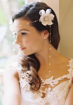 oh so gorgeous hair accessories! every time we see one of Erica Elizabeth's designs we fall in love. See more of her stunning pieces here. www.weddingchicks...