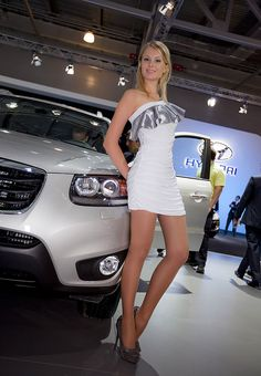 1000 images about hotesses salon auto moto on pinterest spandex nylons and google. Black Bedroom Furniture Sets. Home Design Ideas